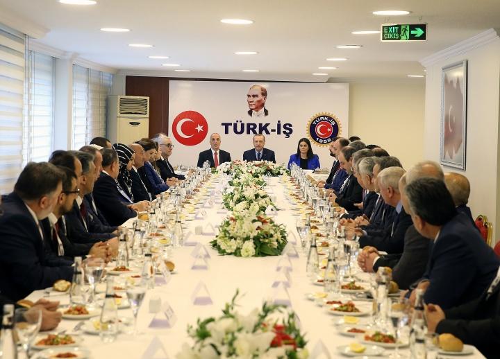 Cumhurbaşkanı Erdoğan 8 Mart'ta Türk-İş'i Ziyaret Etti...